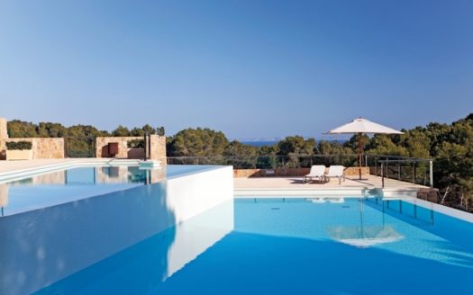 Pool with sea views_LaFloresta